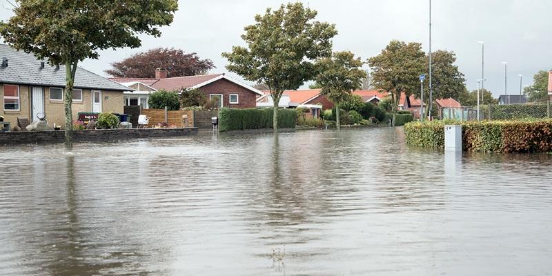 Oversvømmelse i villakvarter