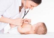 Læge med baby